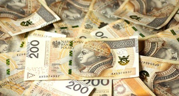 Wybieramy kredyt – walutowy czy złotowy?